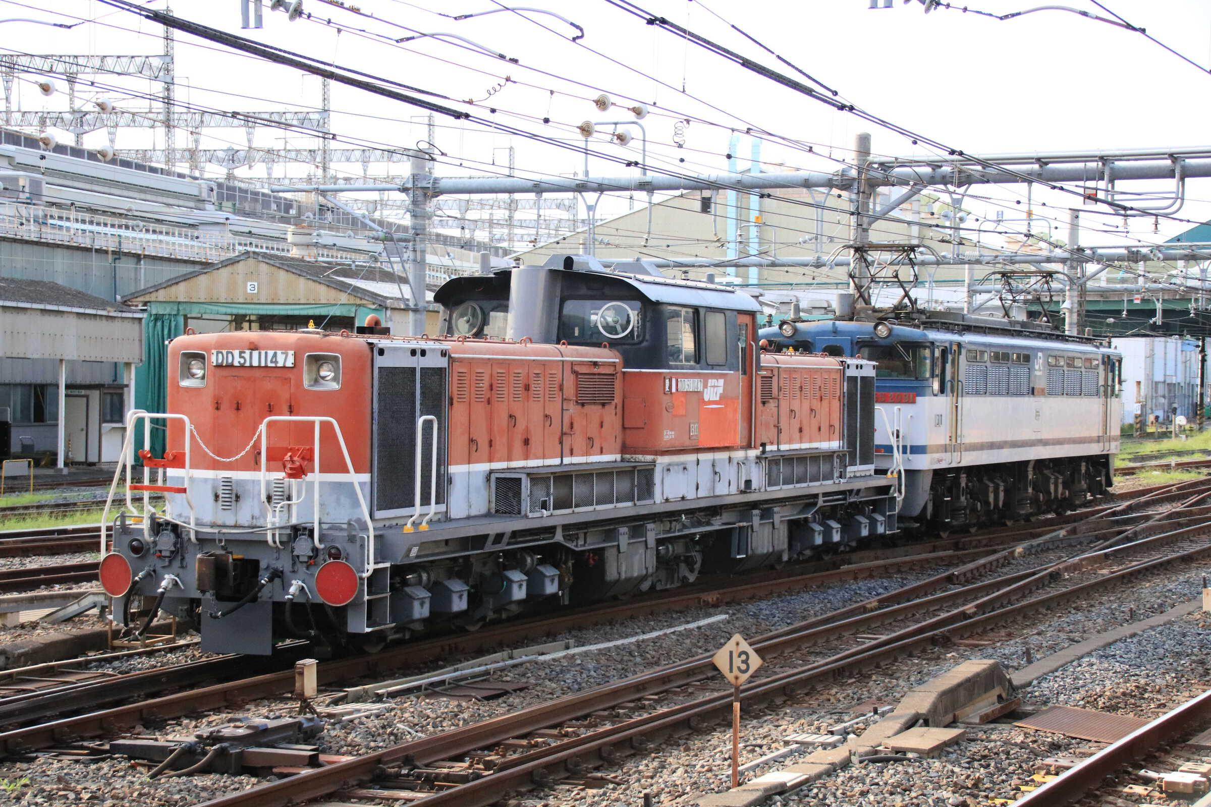 単8253列車(種別変更 : 専貨A) OM出場 EF65-2091①[新]<臨A991>+DD51-1147①[愛]