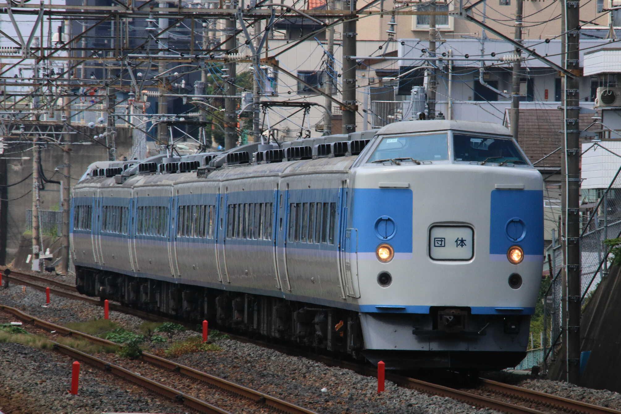 9731M 団臨(西801, 高尾→東京(舞浜)) 189系 八トタM50編成