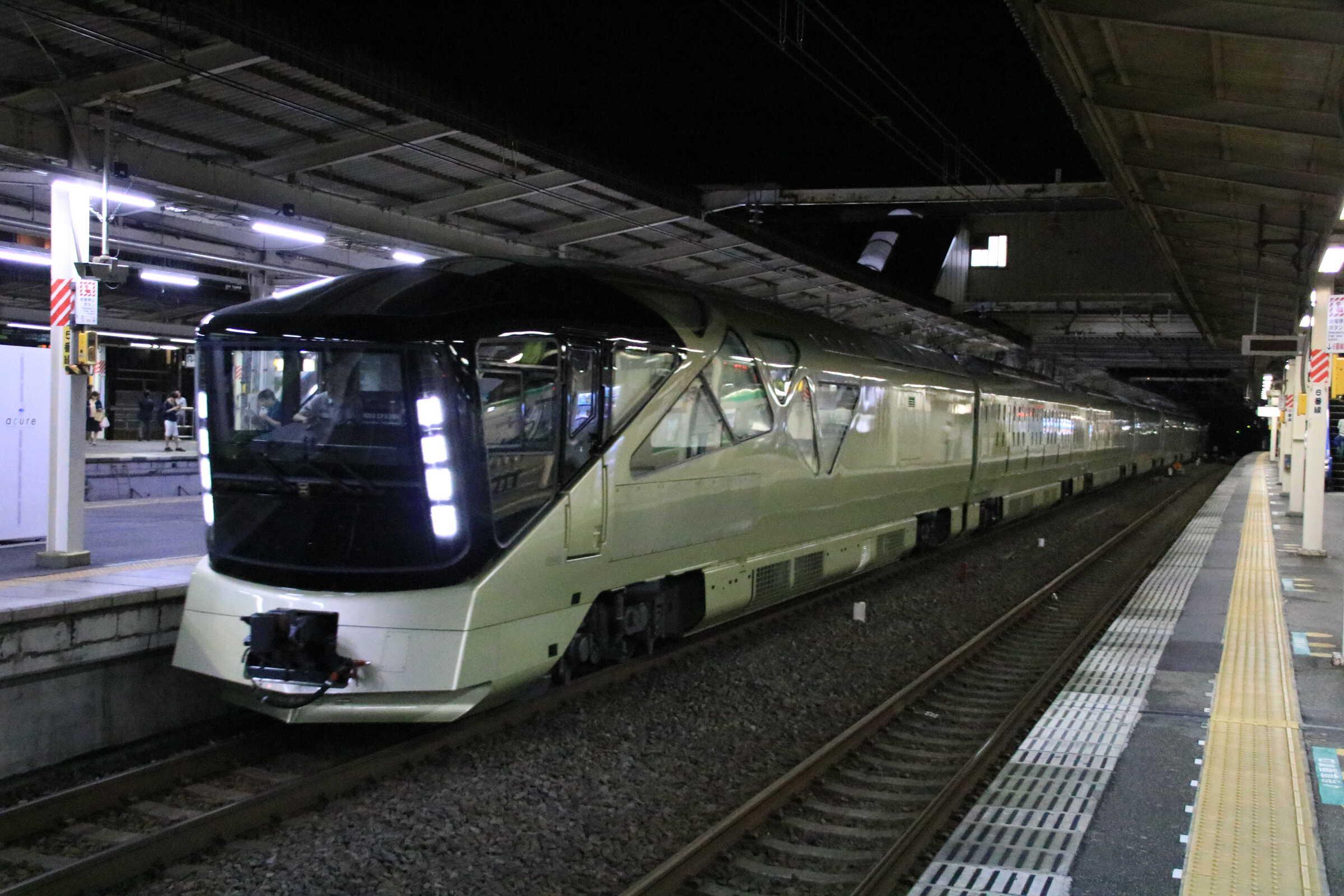 """試9404M 常磐線試運転 E001系7両 """"TRAIN SUITE 四季島"""""""