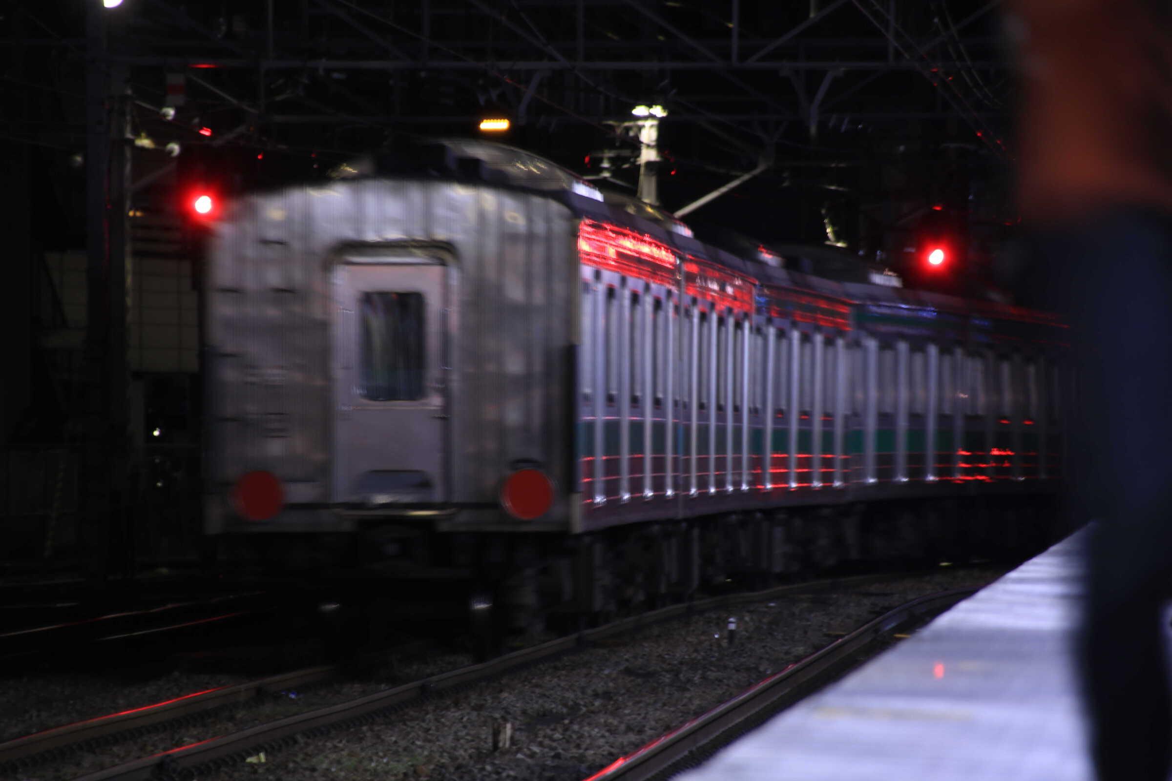 配9433列車 205系 宮ハエ28編成 廃車の為のNN入場配給 EF64-1031+205系 宮ハエ28編成中間車6両(7〜2号車)