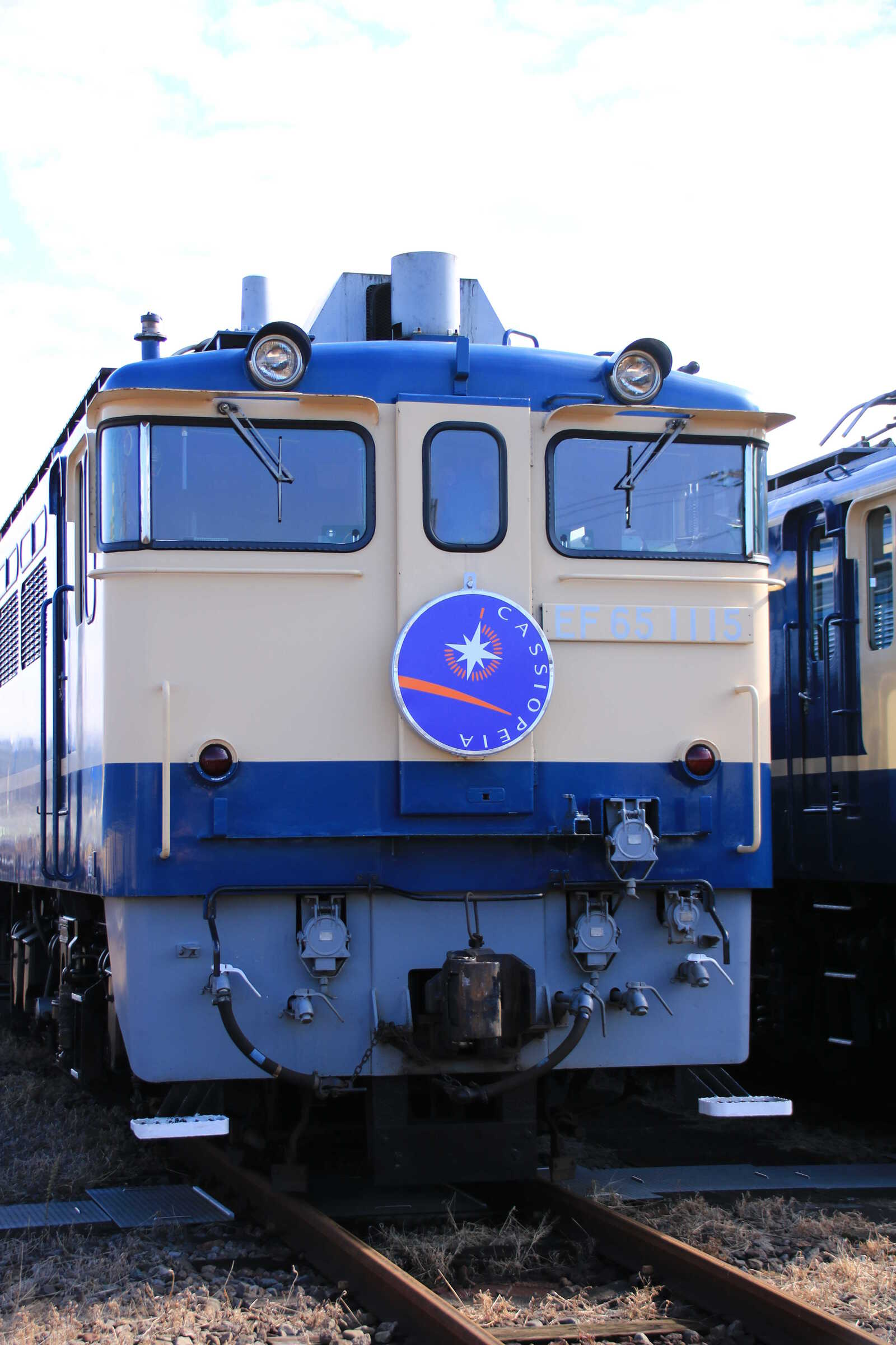 EF65-1115①[田] カシオペアヘッドマーク