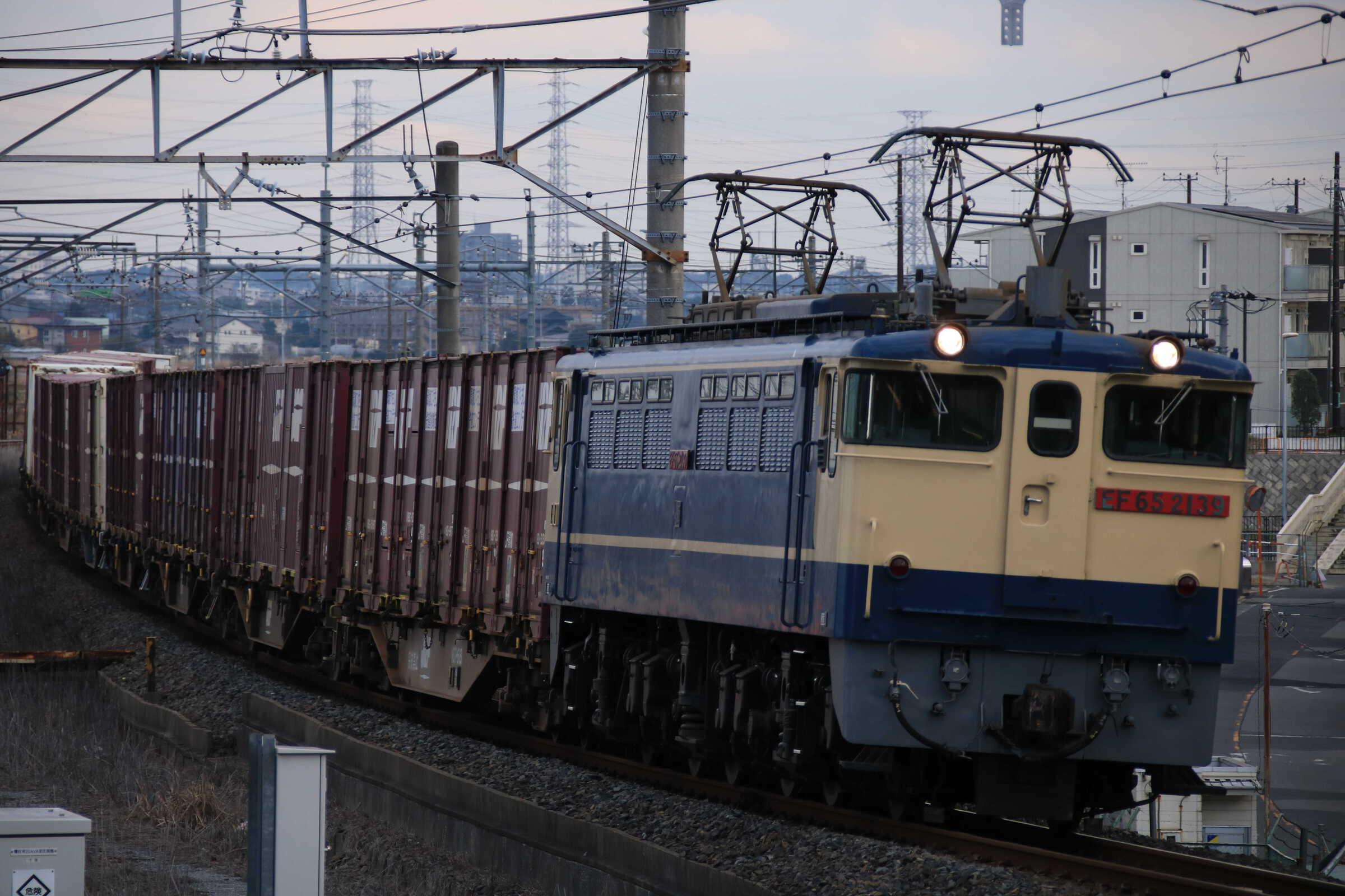 74列車 EF65-2139②[新]+コキ12B