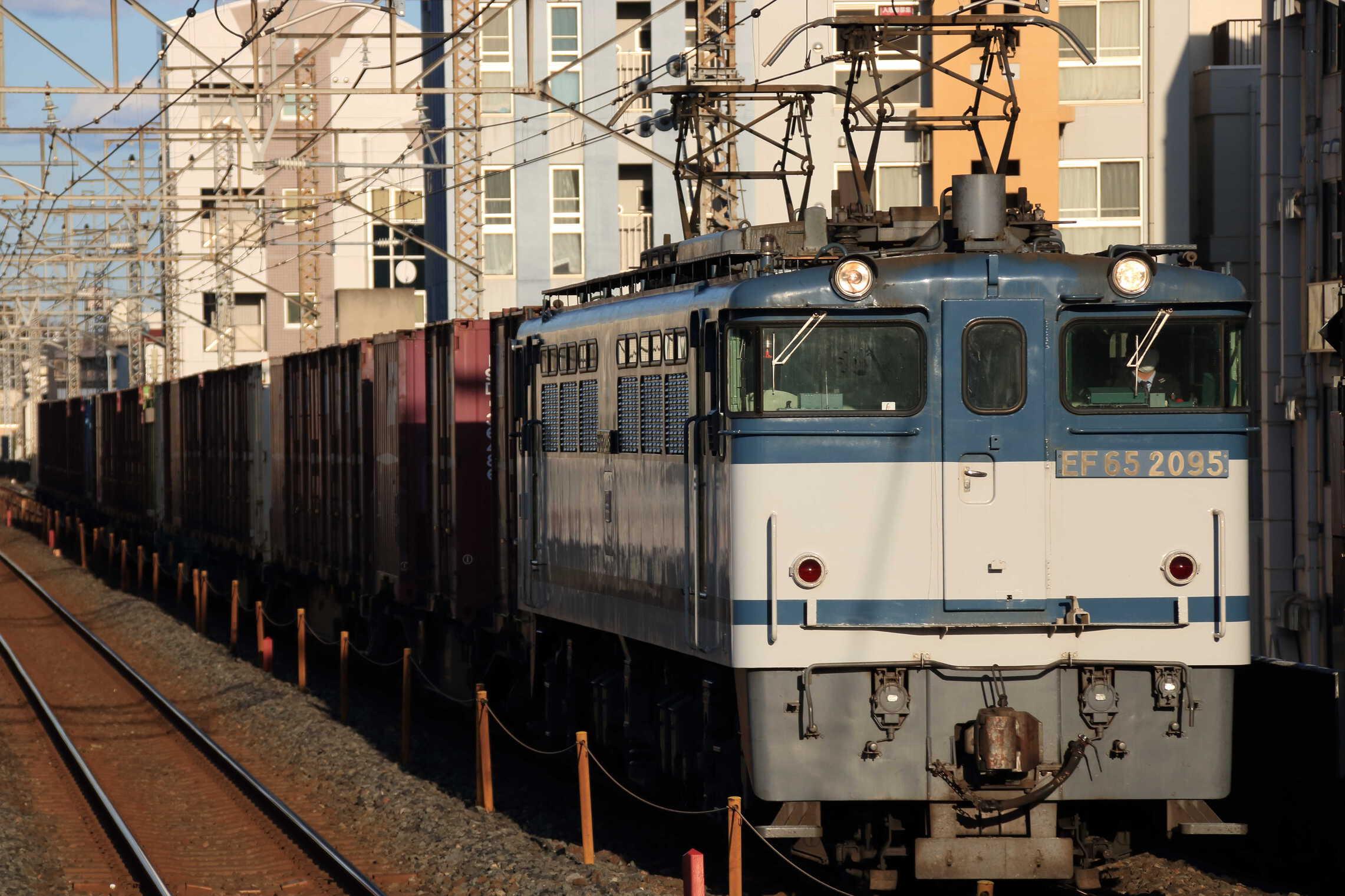 74列車 EF65-2095①[新]+コキ