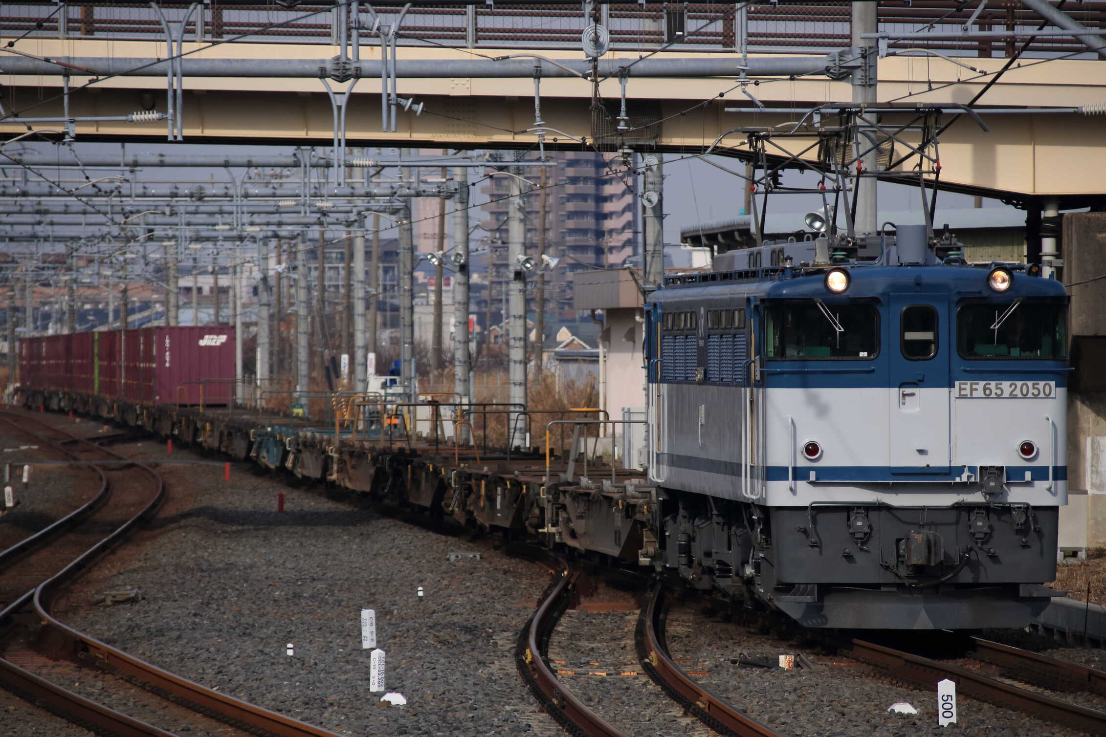 73列車 EF65-2050②[新]+コキ