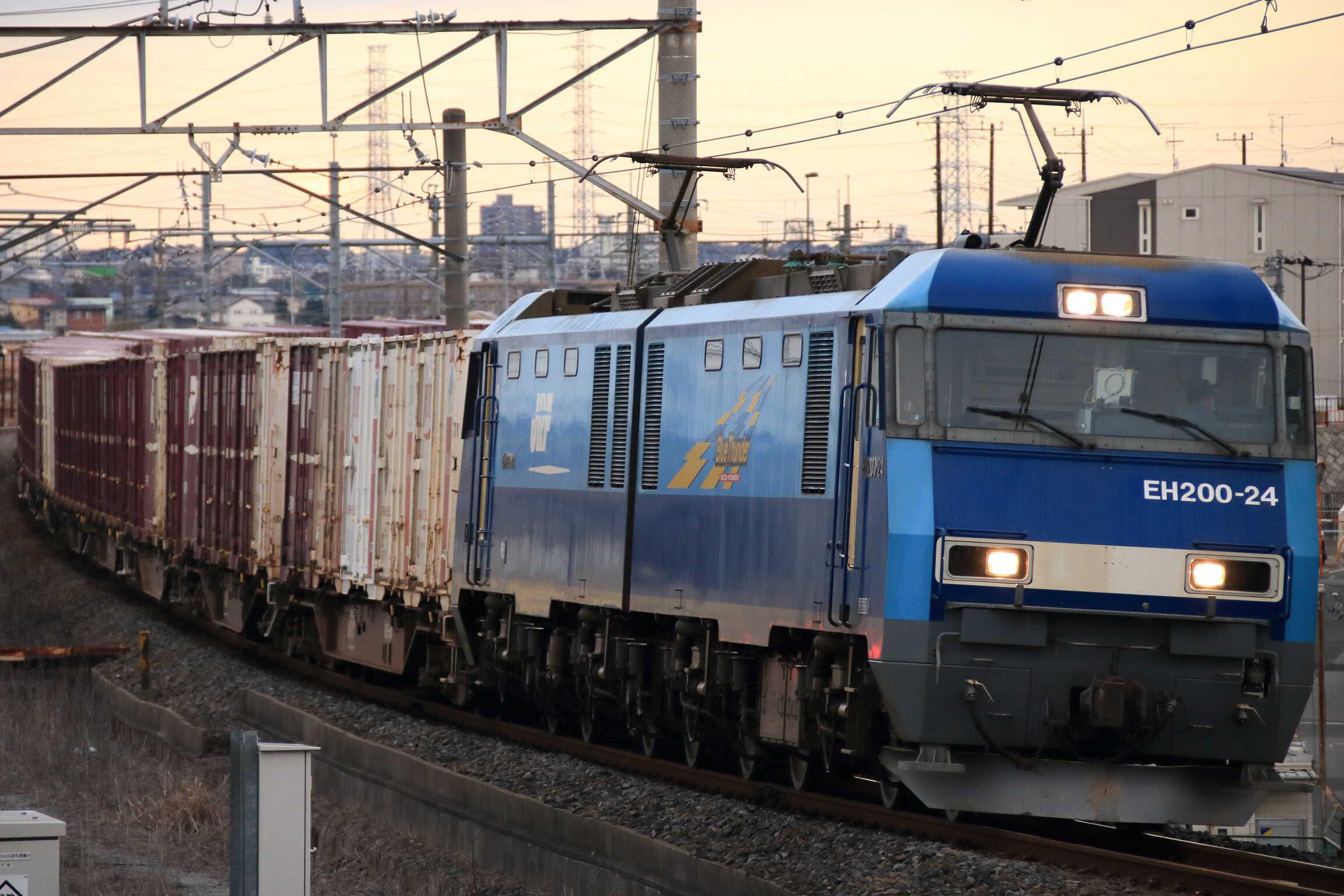 89列車 EH200-24①[高]+コキ
