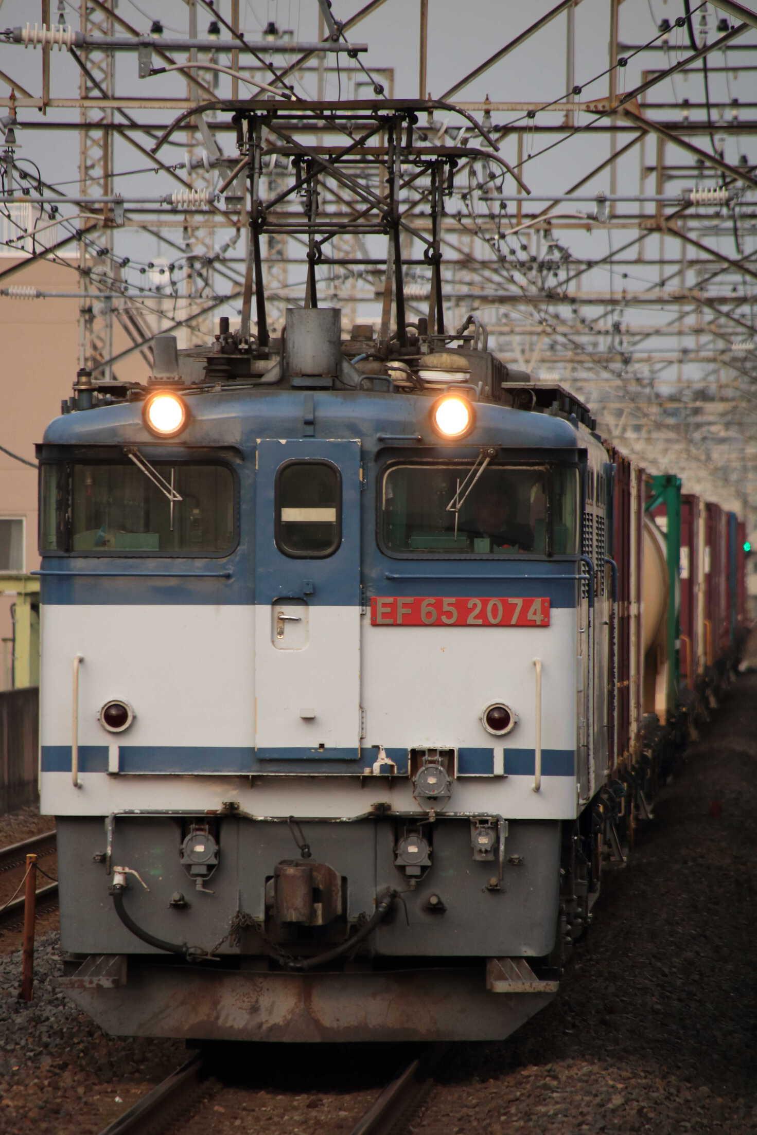 74列車 EF65-2074①[新]+コキ