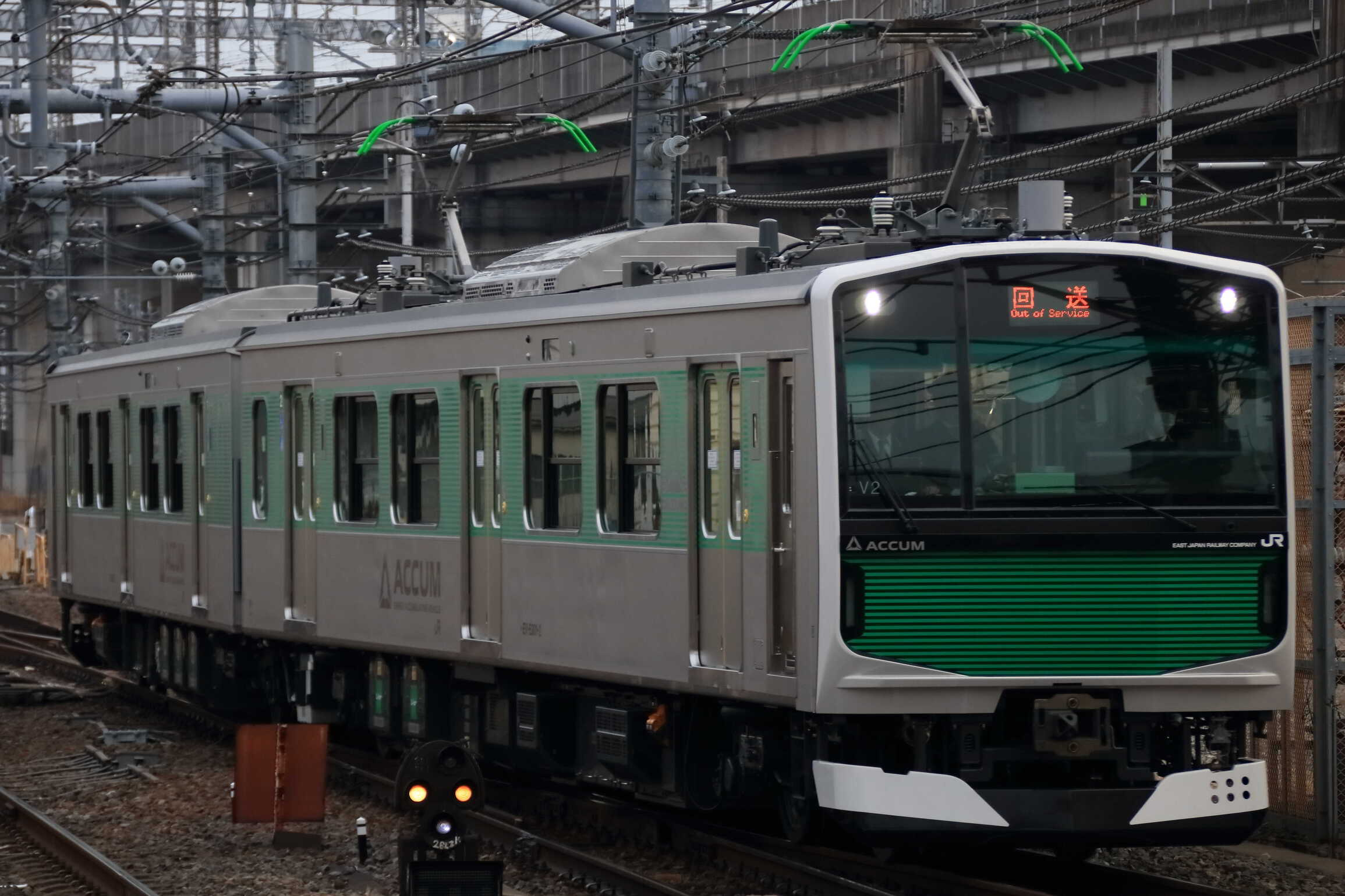 回9621M 上野駅での展示返却 EV-E301系 宮ヤマV2編成