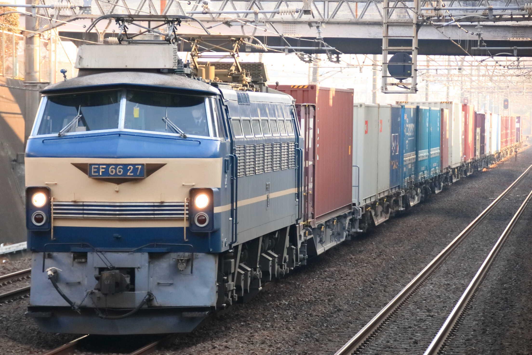 4072列車 EF66-27②[吹]+コキ