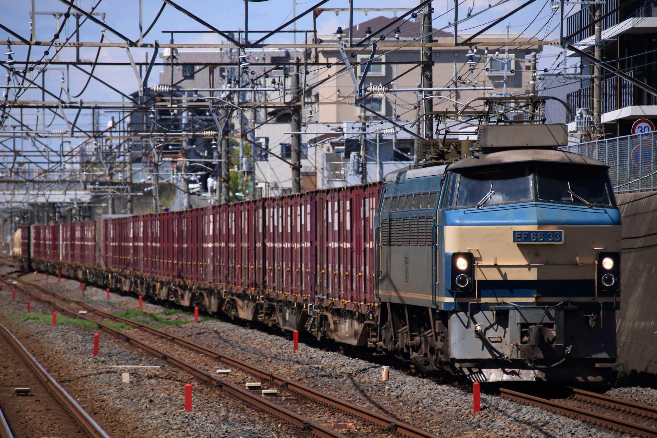 5082列車 EF66-33①[吹]+コキ