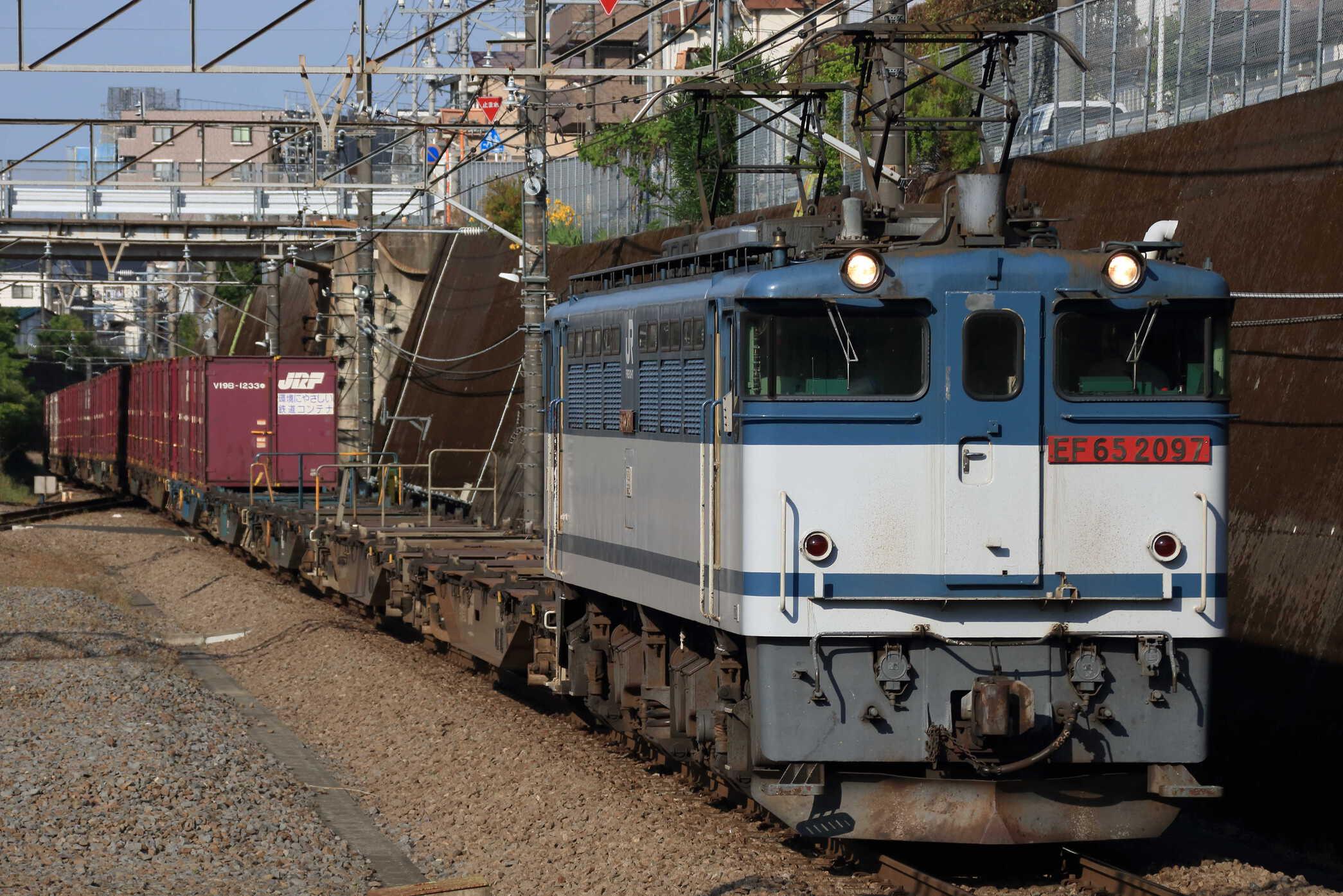 74列車 EF65-2097②[新]+コキ