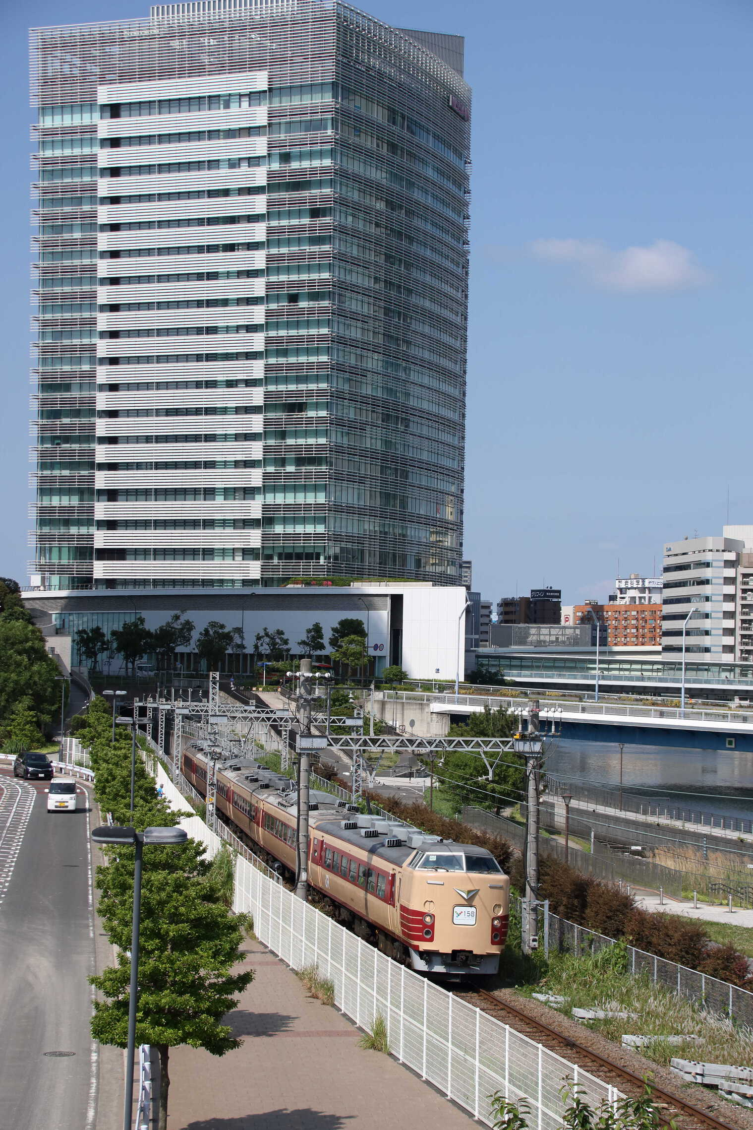 9822M 団臨(浜504) 横浜セントラルタウンフェスティバルY158記念列車の旅 189系 八トタM51編成