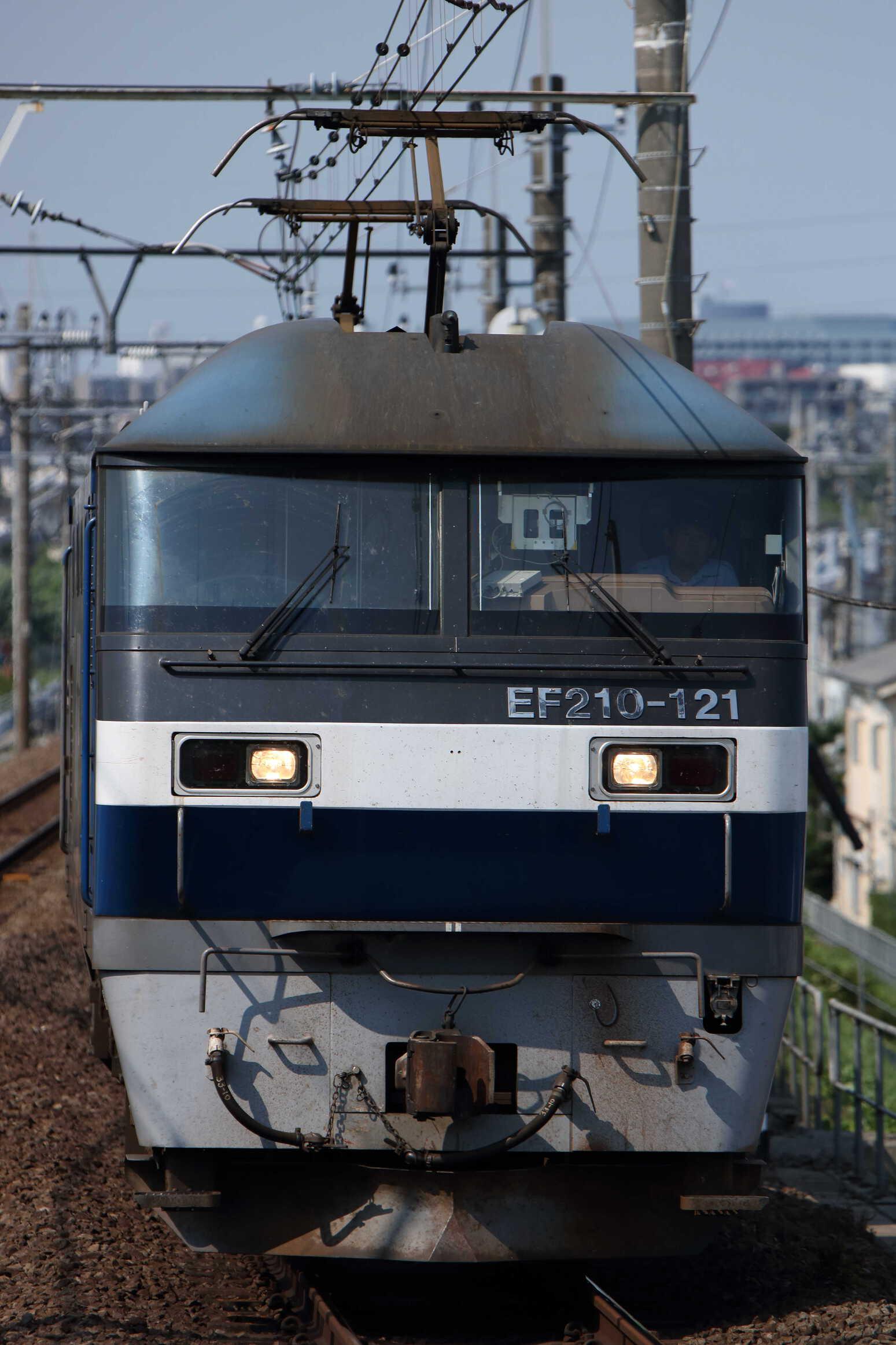 87列車 EF210-121②[新]+タキ