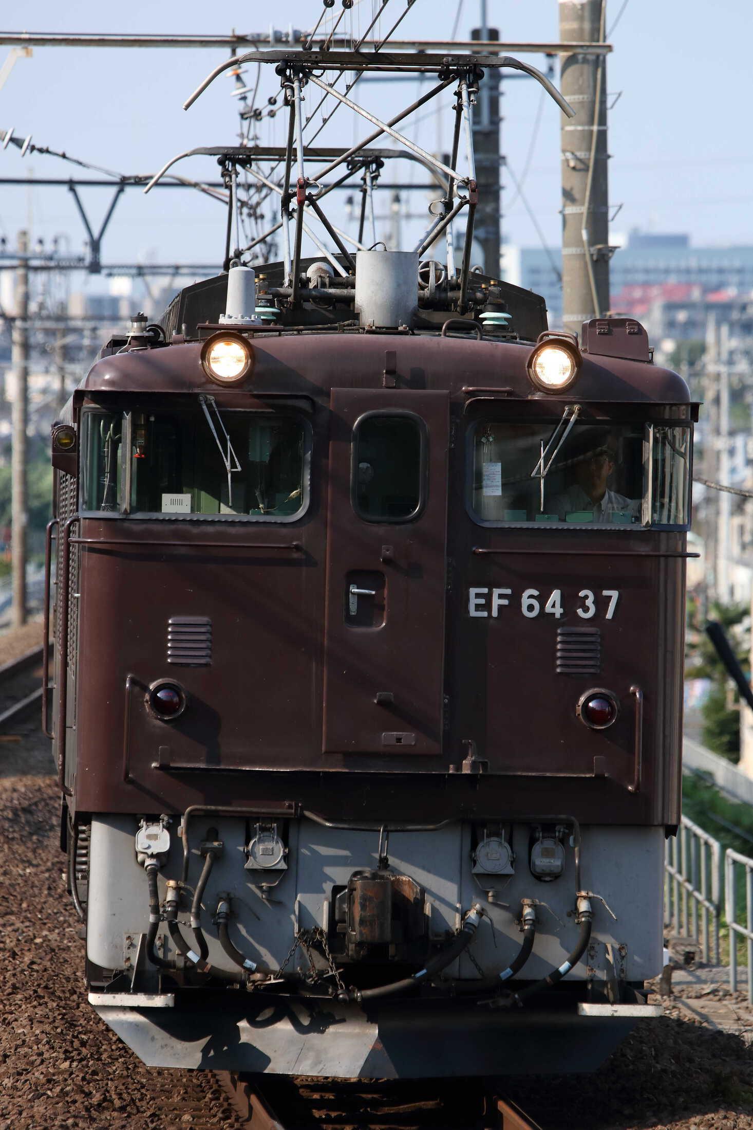 単9893列車 八王子送り込み EF64-37①[高]