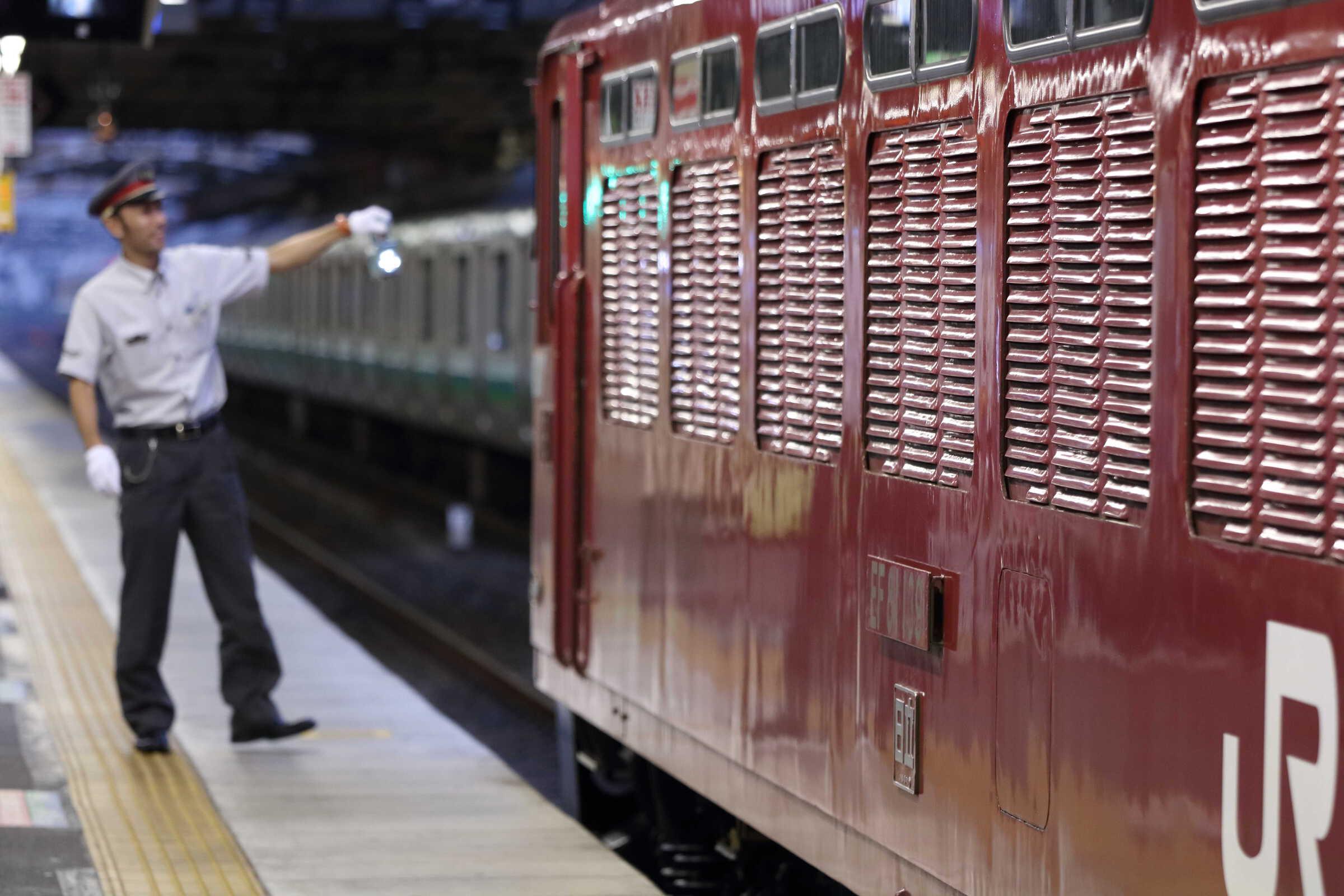 入換〜単9934列車 OM出場配給牽引機返却 EF81-139②[田]