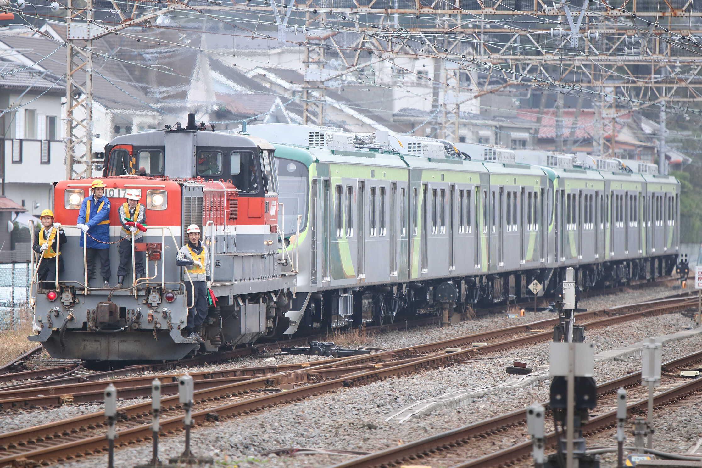 入換〜9670列車 甲161(逗子〜長津田) J-TREC横浜事業所出場甲種輸送 DE10-1749①[新]+東急7000系 7108F+7109F