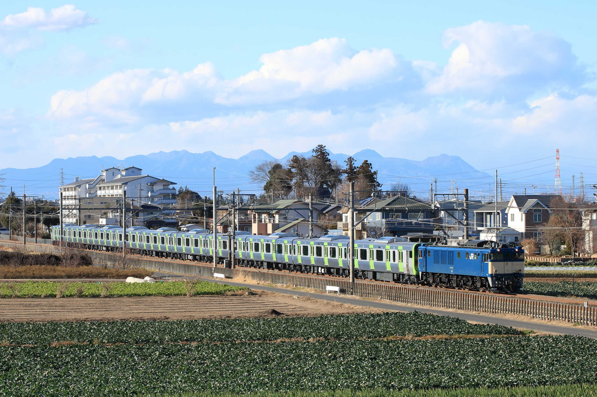 配9772列車 J-TREC新津事業所出場配給 EF64-1032②[長岡]+E235系 東トウ13編成(10号車欠車)