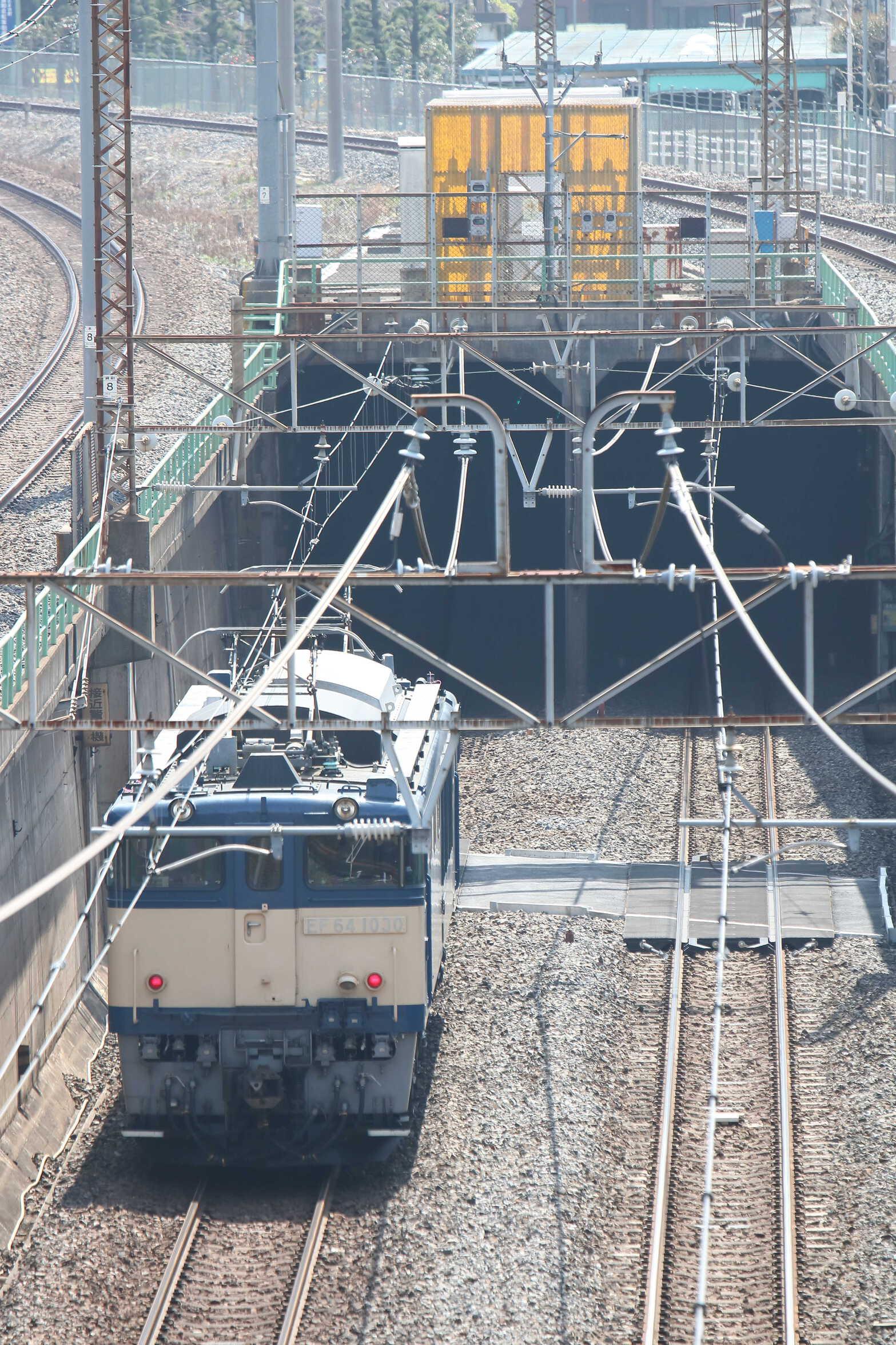 単9723列車 新習志野送り込み EF64-1030[長岡]