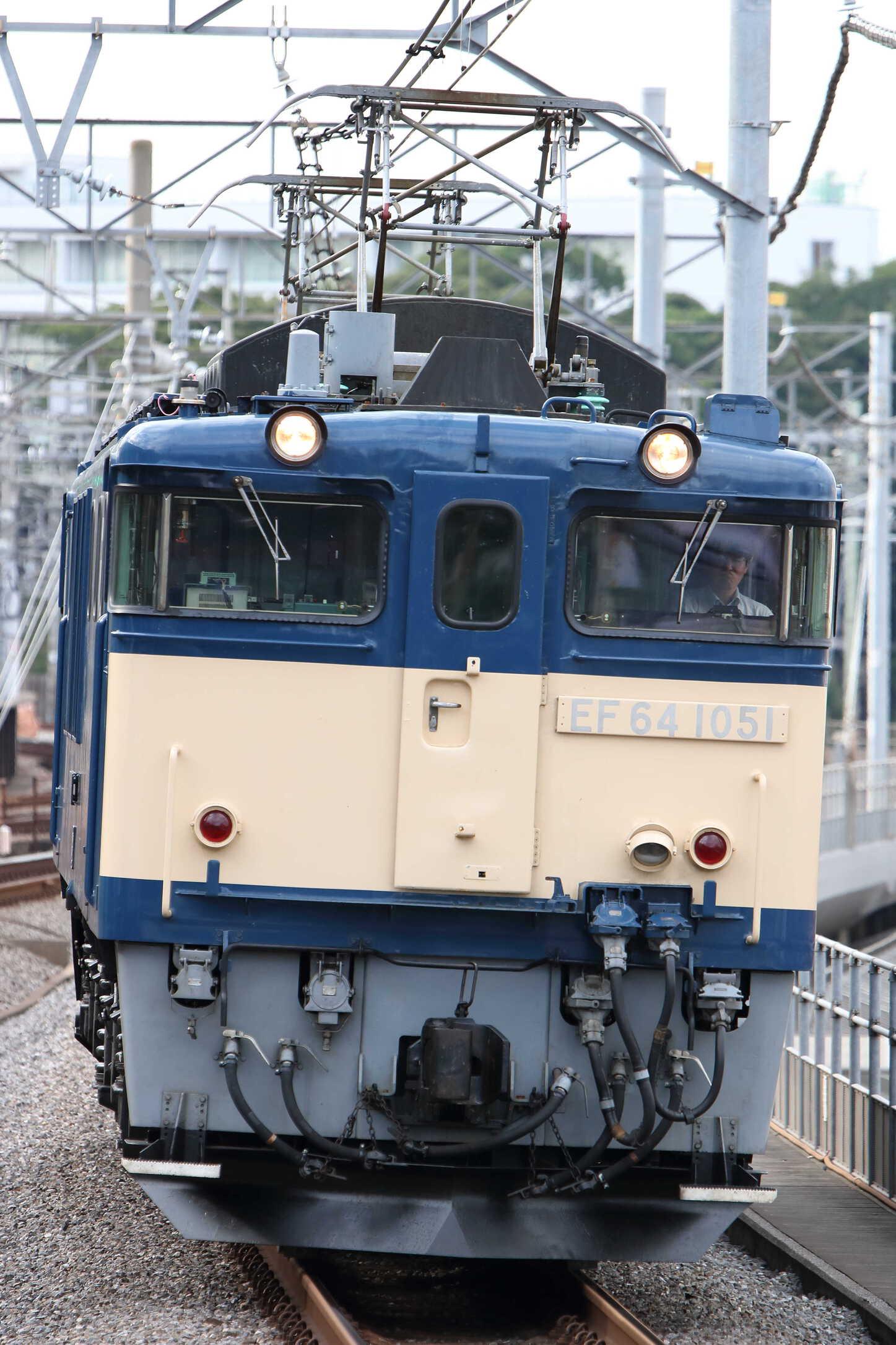 単9536列車? NN入場牽引機単機回送 EF64-1051[長岡]