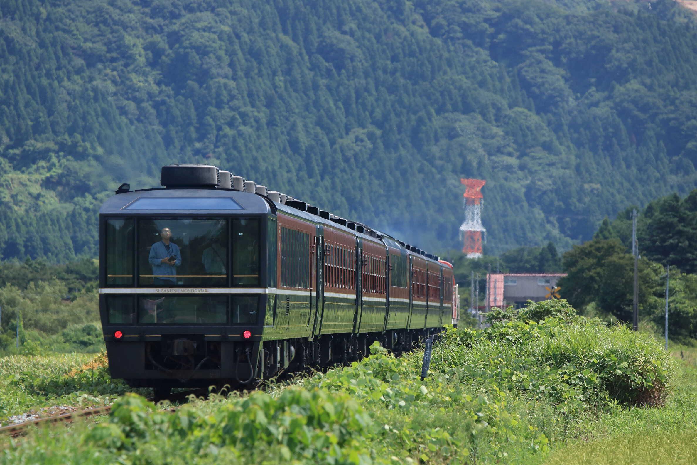 9226列車 快速 DLばんえつ物語号 DE10-1680[長岡]+12系7車(新ニイ)