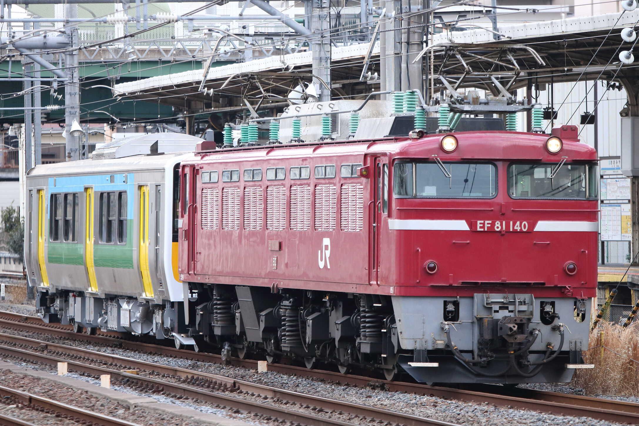 配8144列車 KY出場 EF81-140[長岡]+キハE130-107