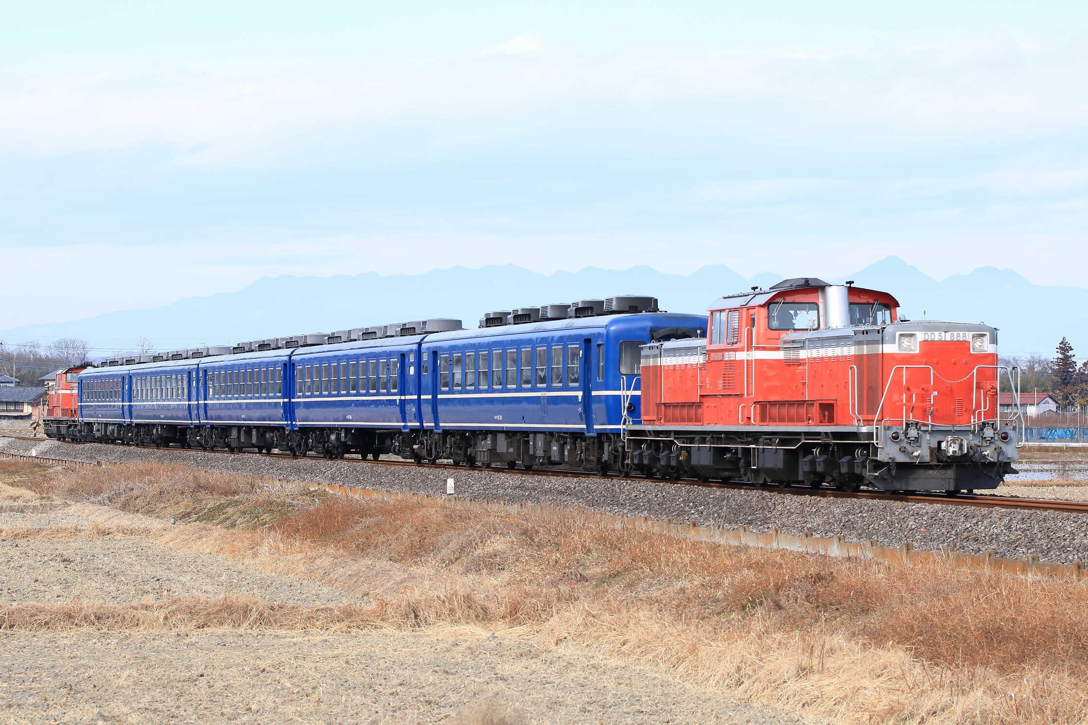 試9230列車 高崎運輸区DL転換訓練 DD51-888[高]+12系5両(高タカ)+DD51-895[高]