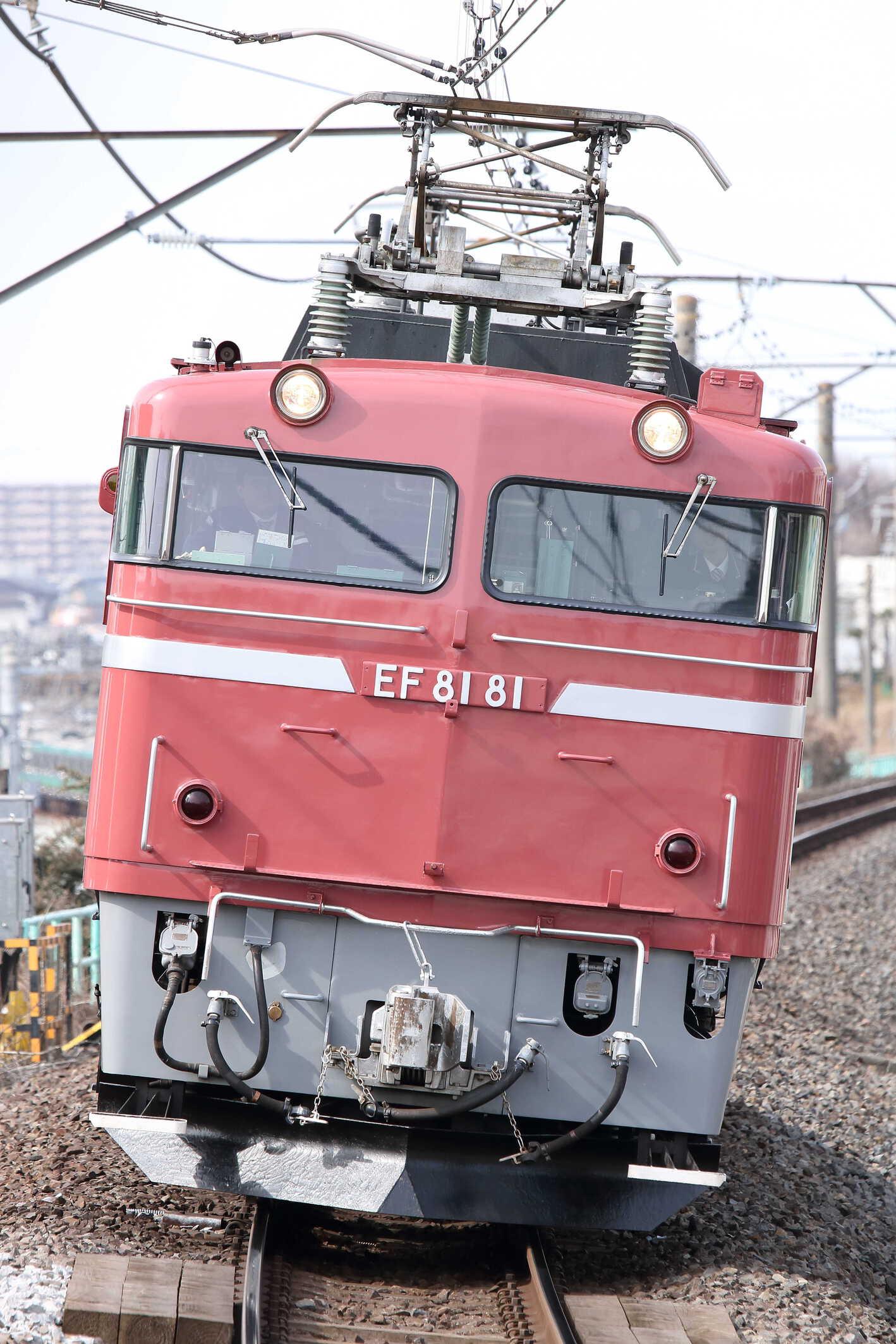 試単8937列車 神立試単 EF81-81[田]