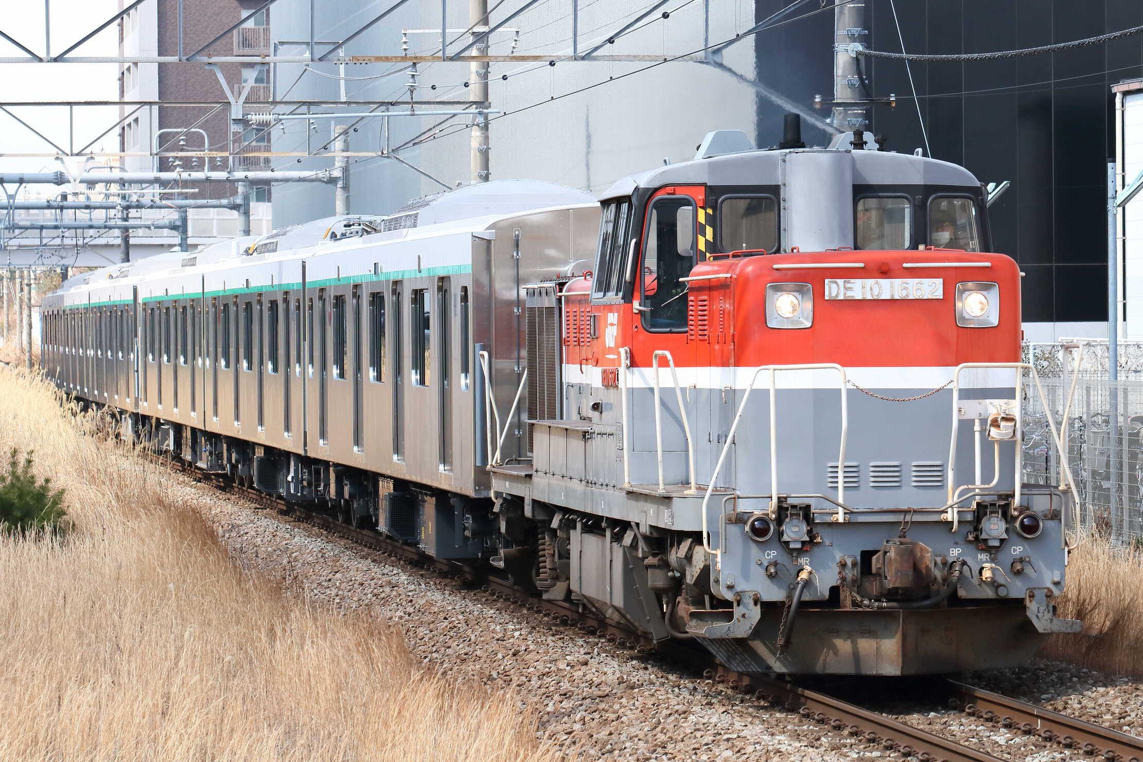 9890列車 甲3(新津〜長津田) DE10-1662[新]+東急2020系6両